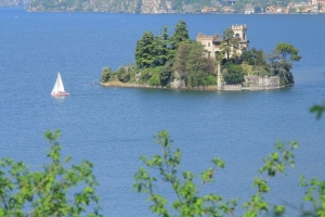 Остров-замок в сердце Италии