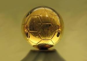 Месси, Роналду или Иньеста – кто получит золотой мяч?