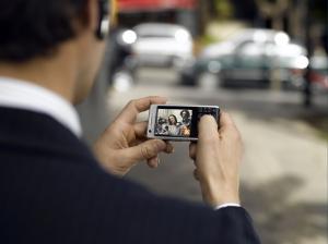 Смартфоны продлевают рабочий день на 2 часа