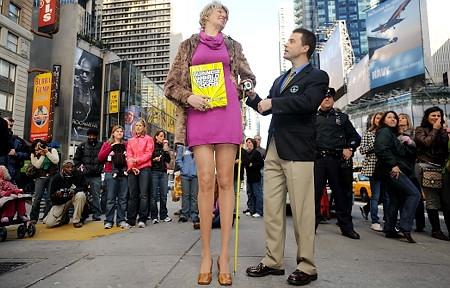 Самые длинные ноги в мире - целых 132 см!