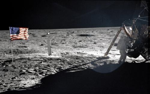 Знаменитая фраза Армстронга на Луне была подготовлена заранее